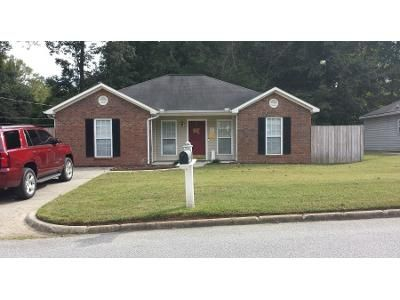 1.0 Bath Preforeclosure Property in Opelika, AL 36804 - Edmon Ave