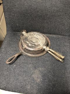Antique Wearever waffle maker plus stand