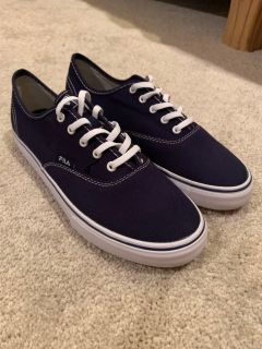 Navy Fila Classic Canvas sneakers