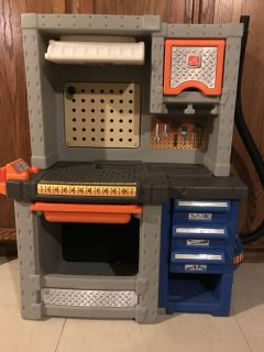Step2 Deluxe Workshop NO Tools! Workshop Only! EUC 41HX34LX15W