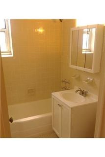 Forest Hills, Great Location, 1 bedroom Apartment.