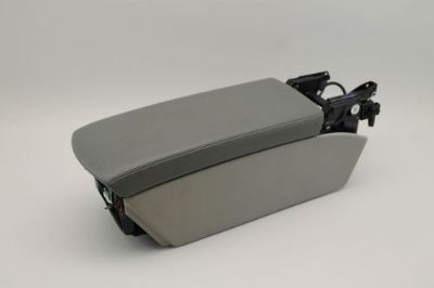 Purchase 2005 MERCEDES-BENZ SL500 R230 #1 FRONT CENTER CONSOLE STORAGE ARM REST GREY motorcycle in Brandon, Florida, United States, for US $150.00