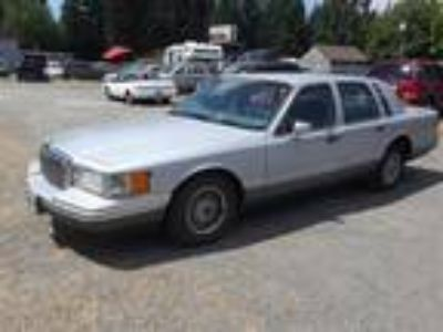 1994 Lincoln Town Car Signature