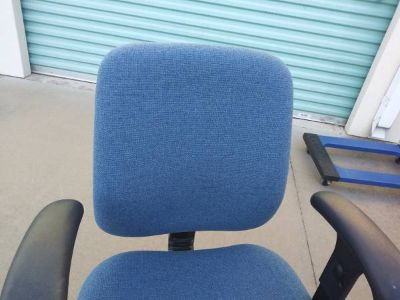 Blue office chair In Fairfield on 6/16 if you want me to bring this