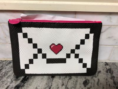 NEW heart envelope cosmetics makeup bag with zipper closure $3