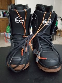 men's Thirty-Two brand snowboard boots