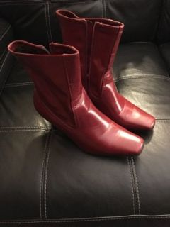 womens red boots size 9