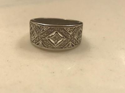 Gorgeous sterling silver ring