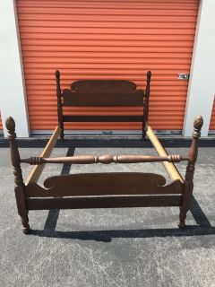 Antique Mahogany Bed with Acorn Posts