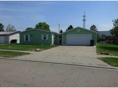 3 Bed 2 Bath Foreclosure Property in Bismarck, ND 58503 - Jericho Rd