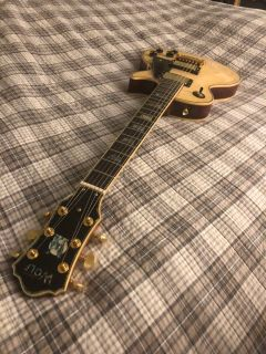 Wolf WLP750 Les Paul Style electric guitar
