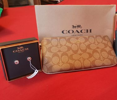 New! Coach wristlet and earrings