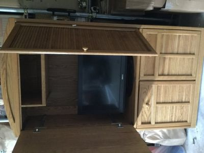 Entertainment center with 32 Sanyo TV