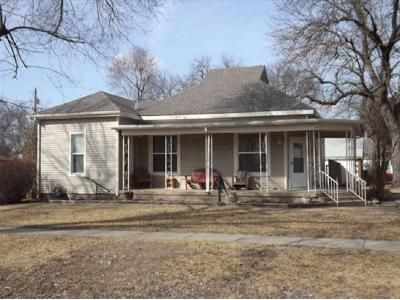 3 Bed 1 Bath Foreclosure Property in Douglass, KS 67039 - N Chestnut St
