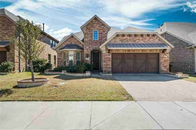 2704 Cole Castle Drive LEWISVILLE Four BR, *Move in ready*