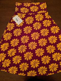 Great print for fall! Small Azure skirt, new w tags