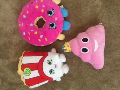 Large Plushes - Shopkins and Pink Poop Queen
