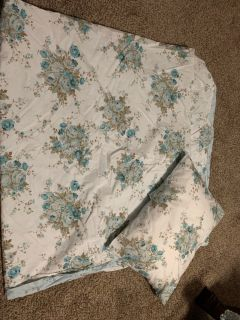 Full/ queen duvet cover with 2 matching pillow shams