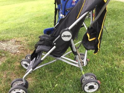 Jeep Stroller folds with canopy