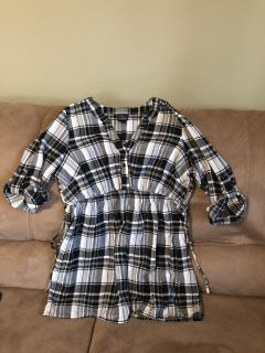 Size large maternity top