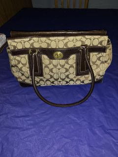 (v) authentic Coach purse great condition!