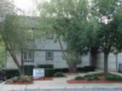 Nice Two BR Two BA CONDO - WESTPORT - Covered Parking