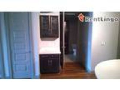 Two BR 517 W Howe St