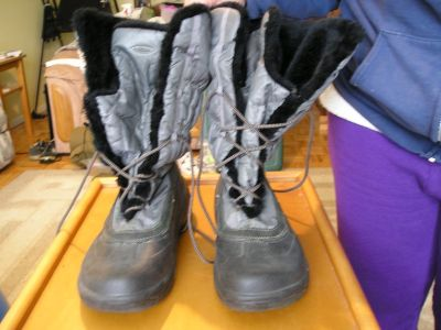 QUARK LINED BOOTS WOMEN'S SIZE 10