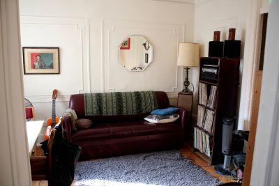 Large, clean fully furnished room in the heart of Williamsburg by the JMZ train