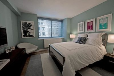 Renovated Flex 3Bed/2Bath High Ceilings New Kit...