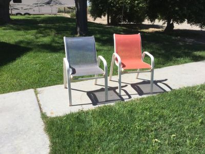 2 Kids patio chairs