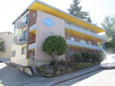 9  unit complex in Fremont-Seattle