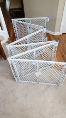 folding child or pet gate