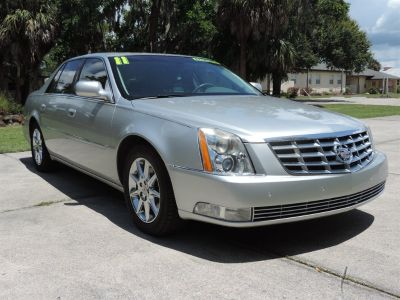 2011 Cadillac DTS Luxury Collection (Silver)