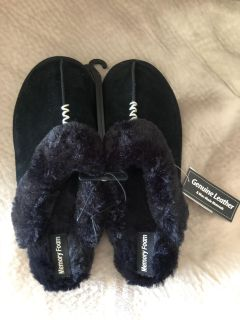 Women s sz 9/10 genuine leather memory foam slippers BRAND NEW WITH TAGS!