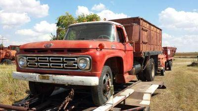 1964 Ford F600 Dump Truck