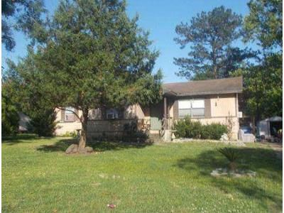 3 Bed 2 Bath Foreclosure Property in Silsbee, TX 77656 - Free St