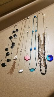 7 FOR $7, CUTE NECKLACES, SOLD AS LOT, 2 PICTURES