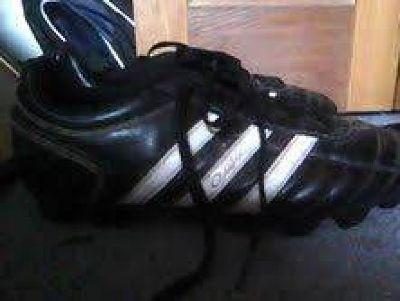 Boys Soccer Cleats 9.5