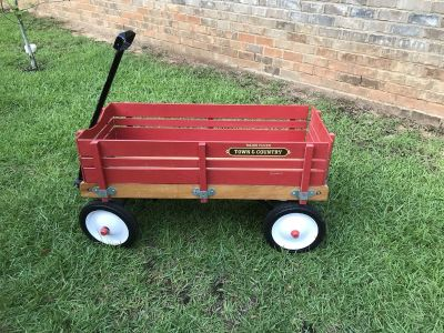 Radio Flyer / Town and Country Wagon