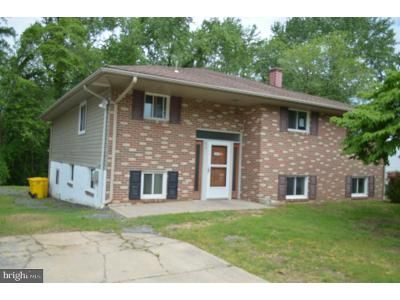 3 Bed 2 Bath Foreclosure Property in Glen Burnie, MD 21061 - Cross Creek Dr