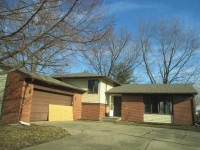 4 Bed 2.5 Bath Foreclosure Property in Indianapolis, IN 46214 - Summerfield Dr