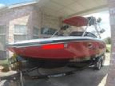 2009 Chaparral 244 Extreme w/wakeboard/ski tower with Volvo 5.7 L 320 engine
