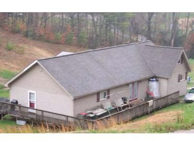 3 Bed 2 Bath Foreclosure Property in Cumberland, KY 40823 - Gilliam St