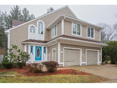 2 Bed 2 Bath Foreclosure Property in Worcester, MA 01604 - Pointe Rok Dr # 1
