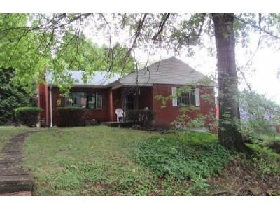 3 Bed 1 Bath Foreclosure Property in Pittsburgh, PA 15221 - Kendon Dr E