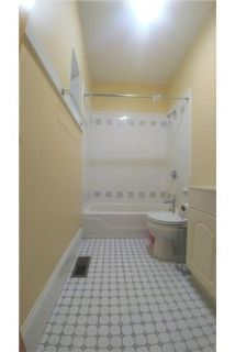 2 Bed 1 Bath with air conditioning in beautiful brick building