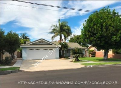 Huge 3 Bedroom House with Large Backyard and 2 Car Garage in Bellflower!