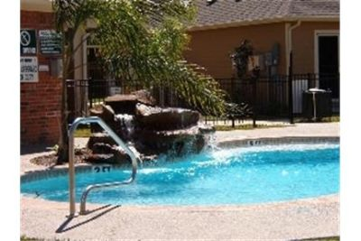 Apartment for rent in Alvin for $790. Dog OK!