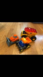 Cat dump truck with sounds and more